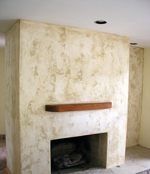 שימוש באנטיקו שליכט צבעוני מינרלי בקירות האח